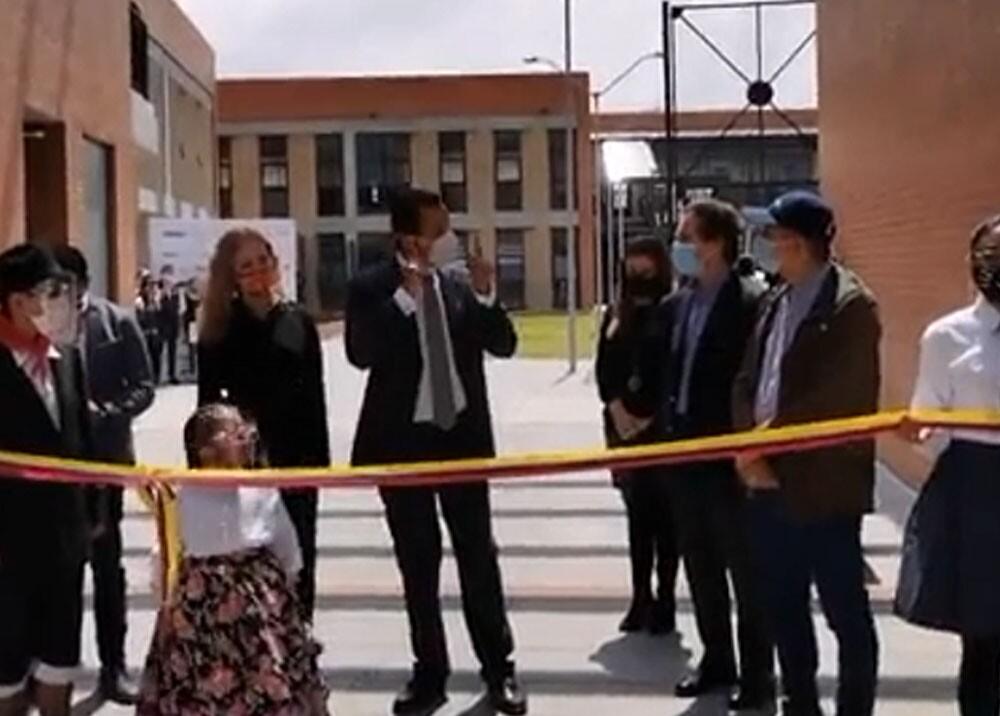 alcalde de soacha regañando al ministro de vivienda.jpg