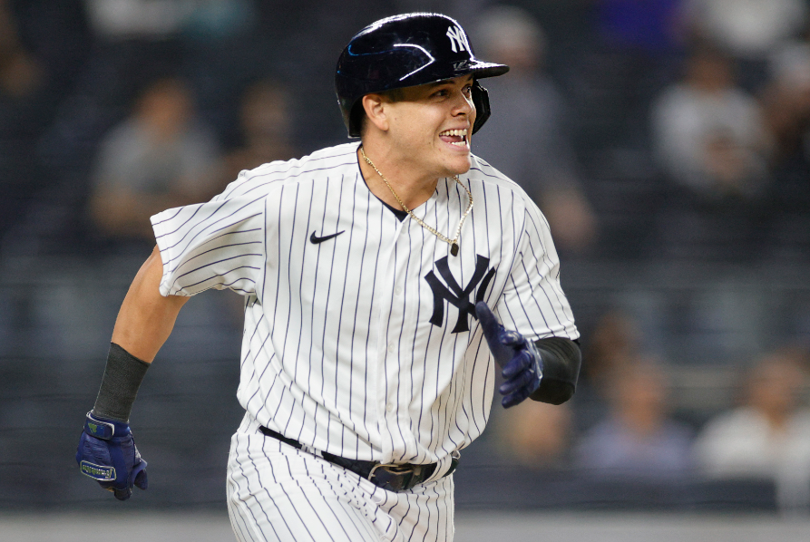 Gio Urshela hizo jugadota defensiva con los Yankees de Nueva York.