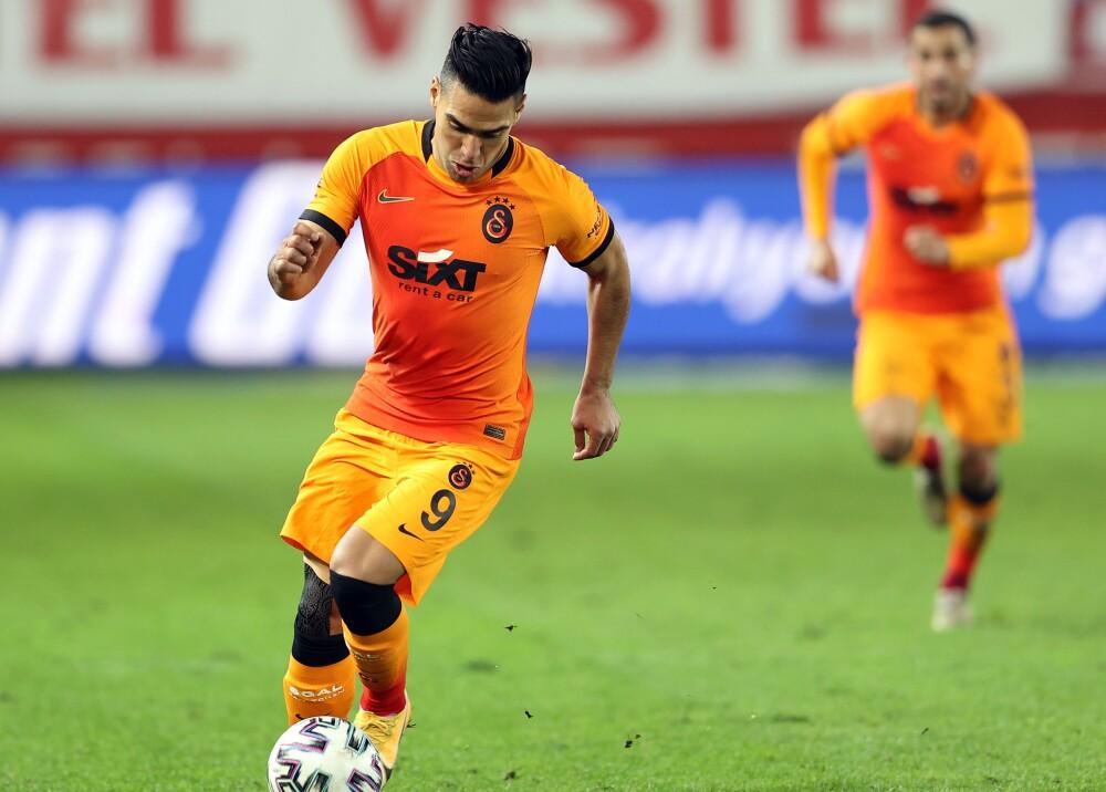 Falcao García Foto Twitter Galatasaray.jpg
