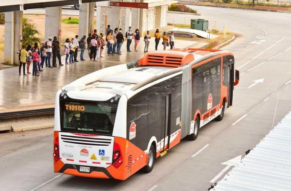 bus de transmetro en cartagena.jpeg
