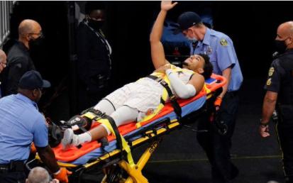 Devin Cannady sufrió una fractura abierta del tobillo derecho.