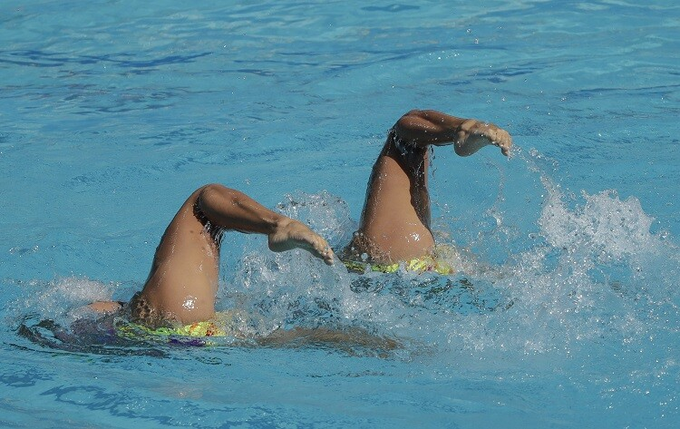 nado sincronizado