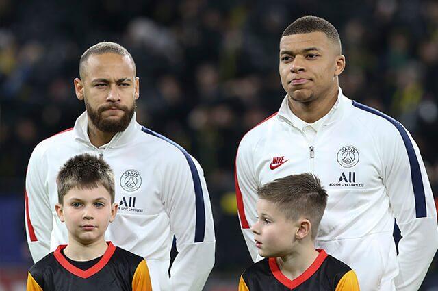 332038_Neymar y Kylian Mbappé
