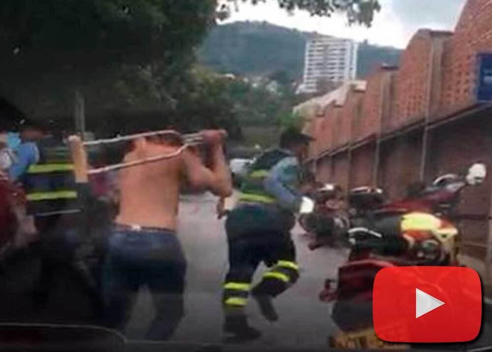 336851_BLU Radio // Infractor agredió con una muleta a agentes de tránsito // Foto: cortesía