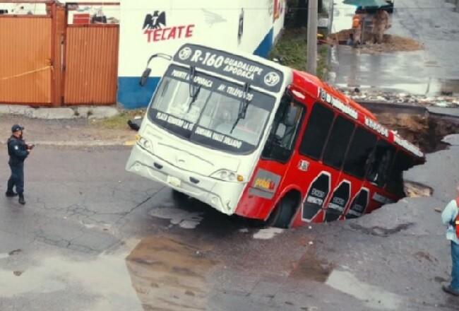 bus tragado.jpg