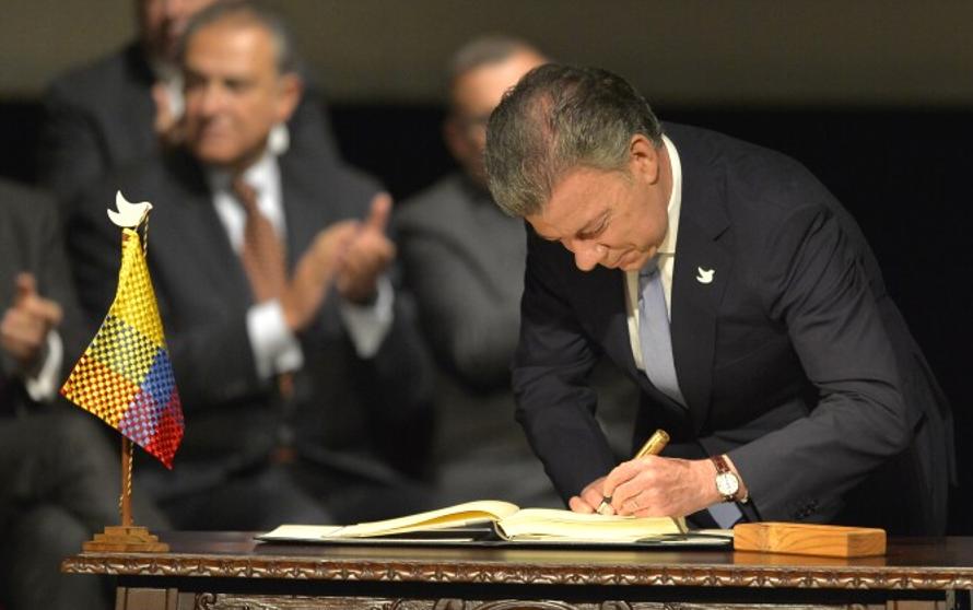 Firma acuerdo de paz.png