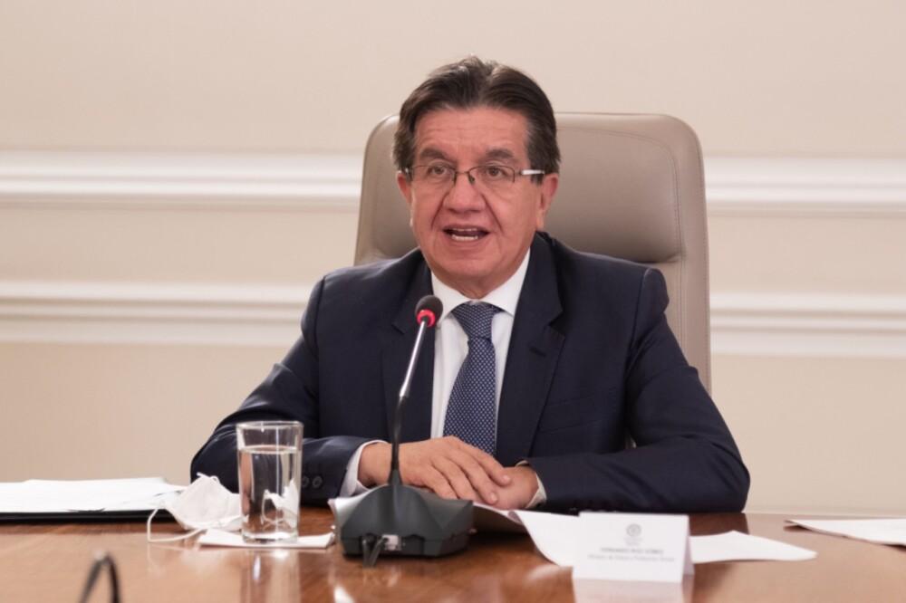 El ministro de Salud, Fernando Ruiz foto presidencia.jpeg