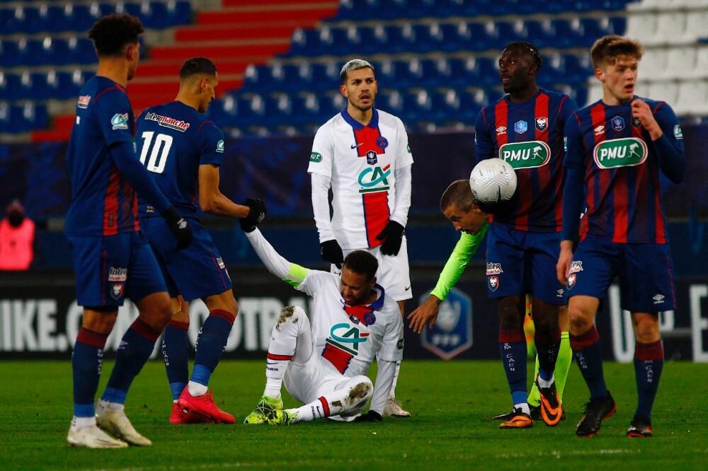 Neymar en el piso