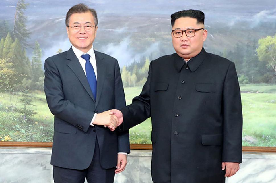 Líderes de Corea del Norte y del Sur anunciaron que restaurarán comunicaciones