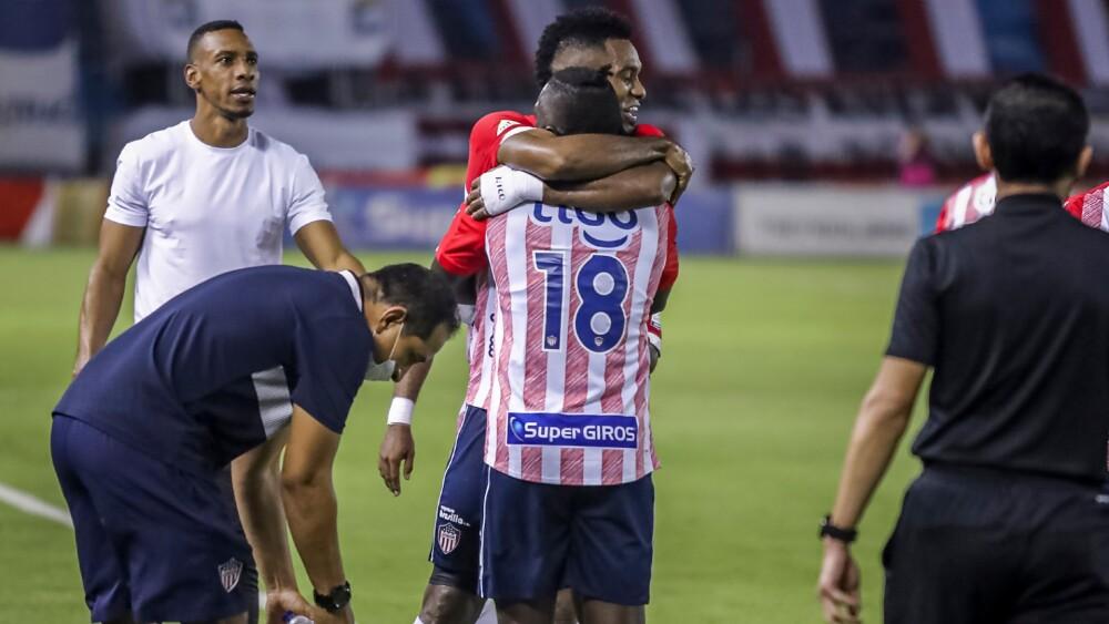Junior vs Pereira