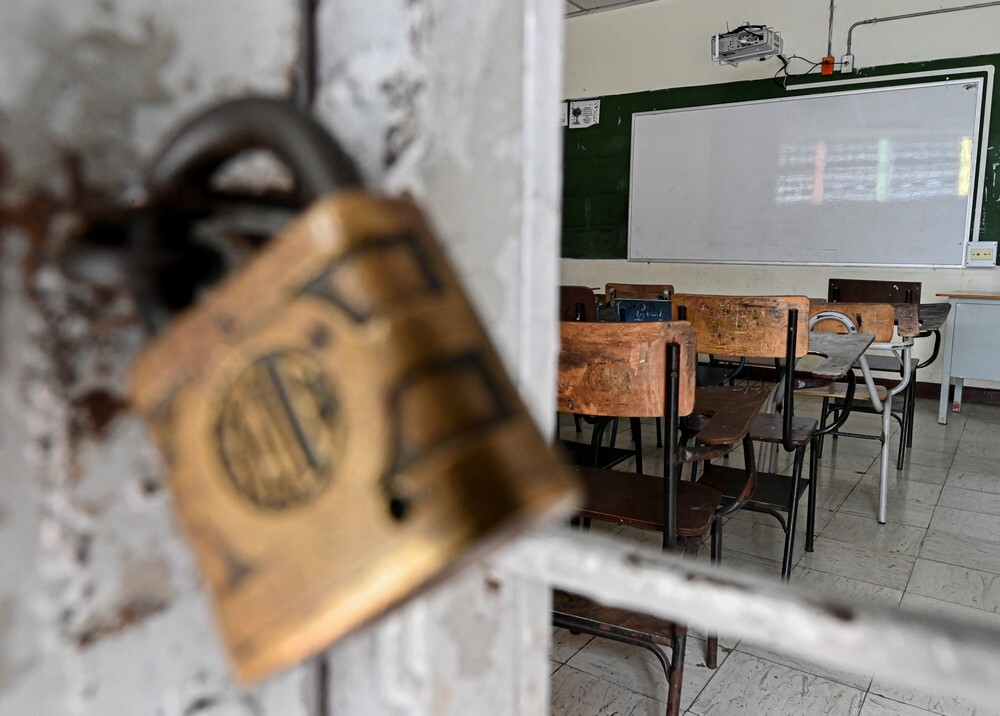 367461_Así lucen las aulas por el coronavirus // Foto: AFP