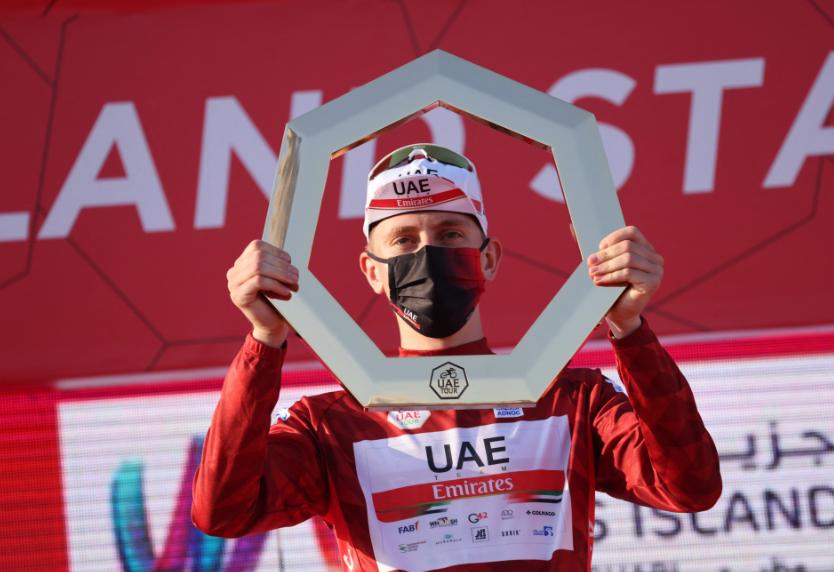 Tadej Pogacar renovó su contrato con el UAE Team Emirates.