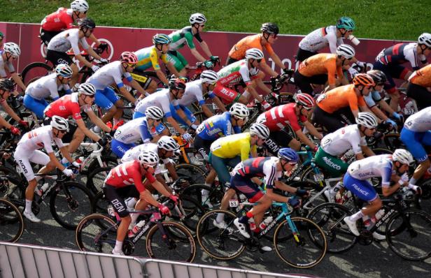 Rigoberto Urán batalló en el ciclismo de ruta y al final fue octavo.