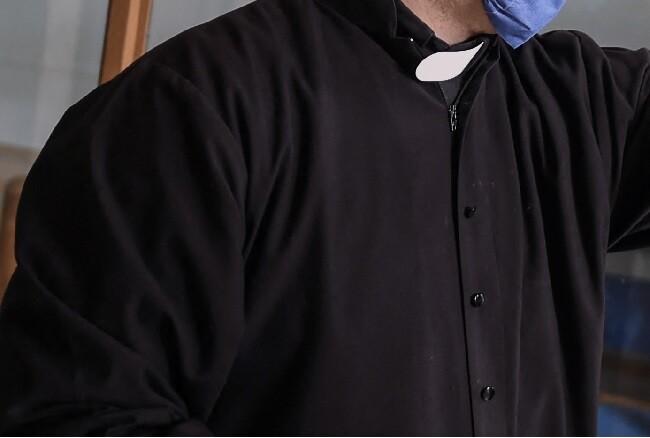 sacerdote foto de referencia.jpg