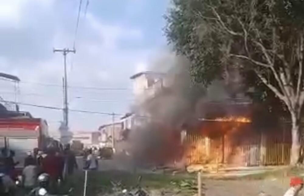 Incendio en un depósito de químicos en Cali