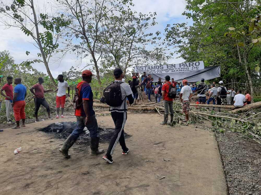 Bloqueo vía Belén de Bajirá Río Sucio Chocó.jpeg