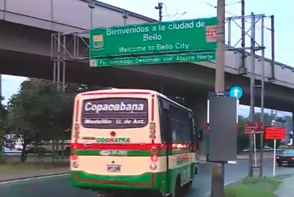 334889_BLU Radio. Restringen horarios de circulación de buses intermunicipales en Bello / Foto: Noticias Caracol