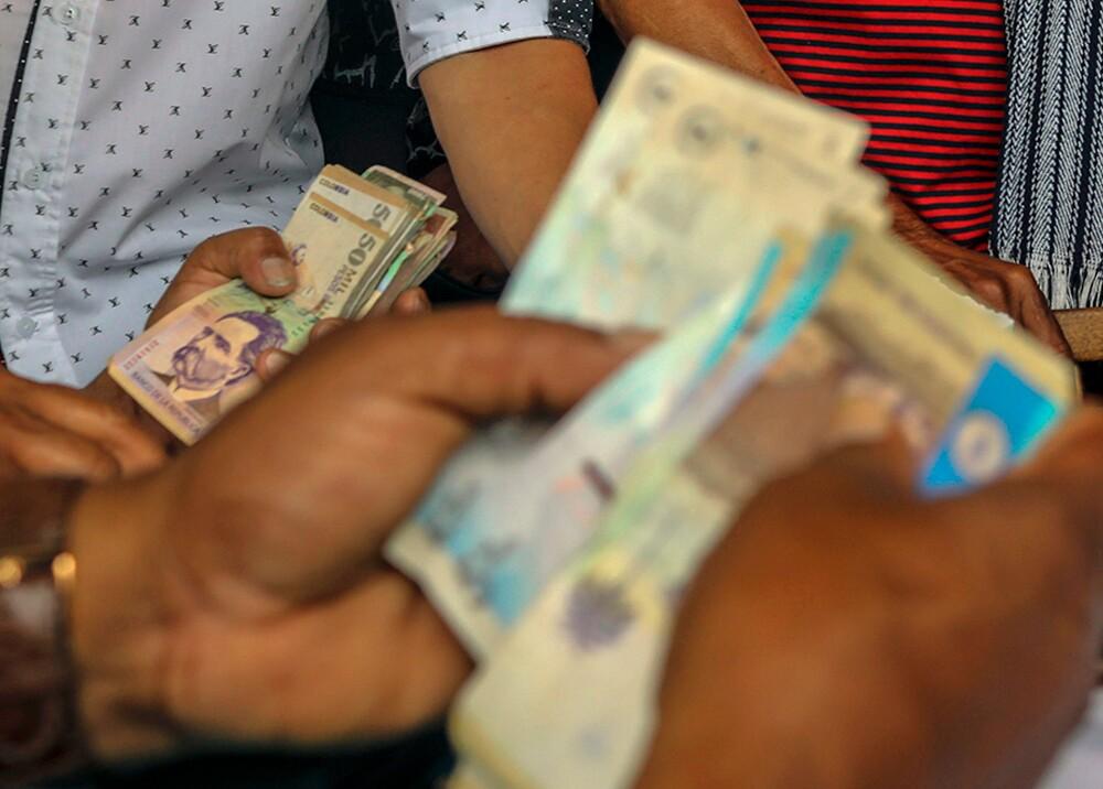 359902_Cobros, deudas - Foto referencia AFP