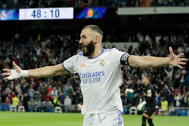 Celebración de Karim Benzema, tras gol con Real Madrid