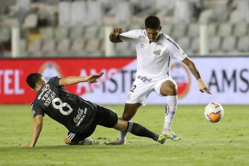 Santos v Olimpia - Copa CONMEBOL Libertadores 2020
