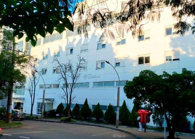 359511_Exempleados de Saludcoop de la 80 en Medellín - Bluradio