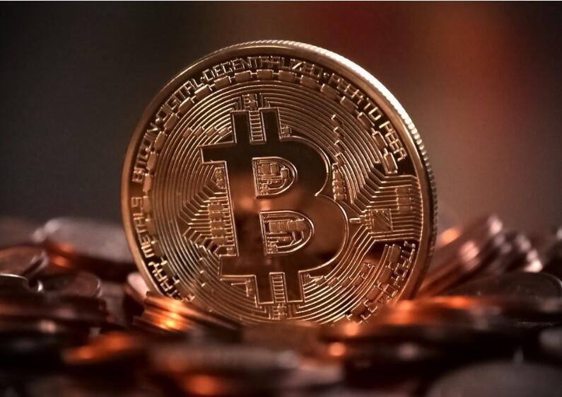 Invirtió 20 dólares en un bitcóin y amaneció siendo multimillonario