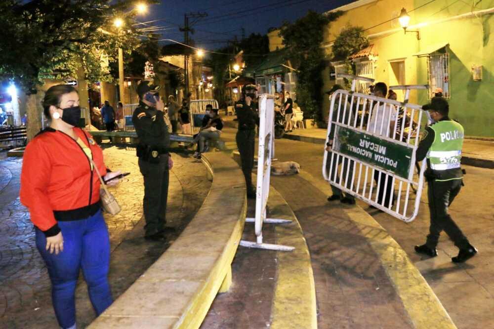 cierre de plaza en cartagena por aglomeraciones.jpeg