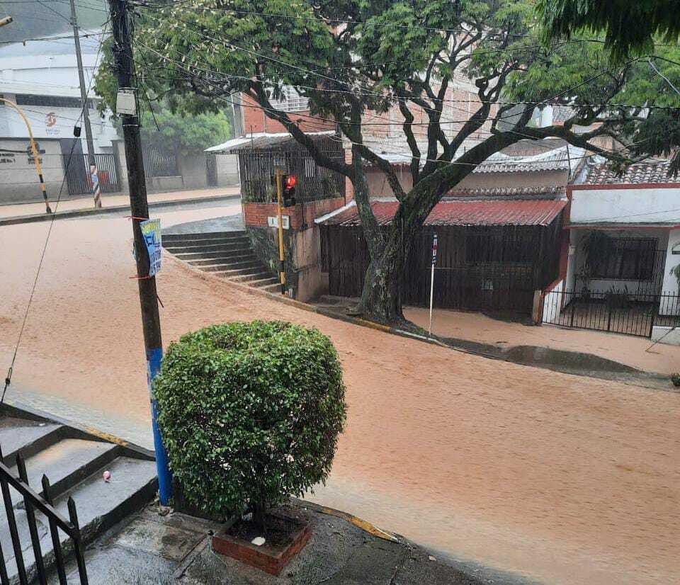 emergencia por lluvias en Cali.jpeg