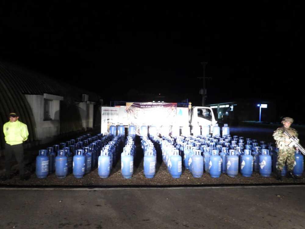 336486_Blu Radio/ Cilindros de gas recuperados. Foto: Cortesía