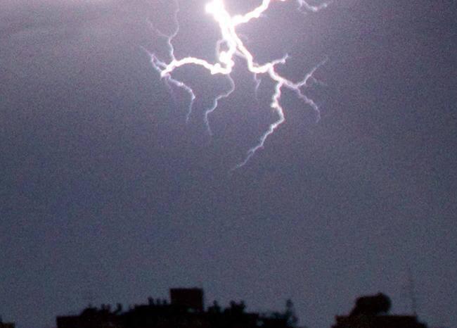 371826_rayo-tormenta-afp_1.jpg