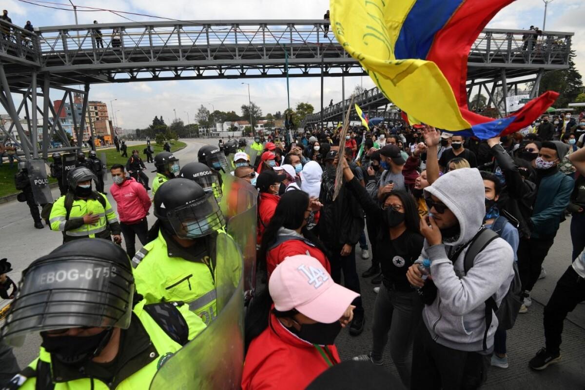 """TransMilenio cerrará a las 5:00 p.m., mientras Claudia López pide a los bogotanos regresar a sus casas """"desde las 2 p.m."""""""