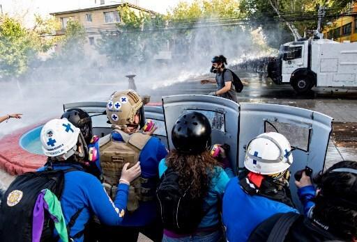 Protestas en Chile por malabarista abatido por carabinero