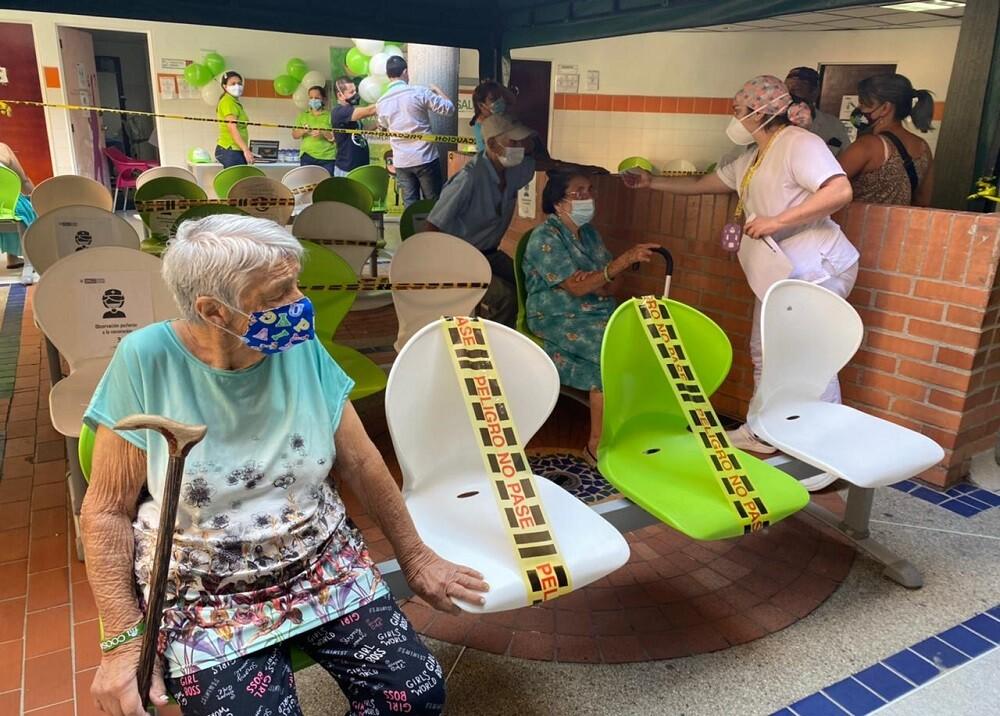 FOTO ADULTO HOSPITAL DEL NORTE.jpg