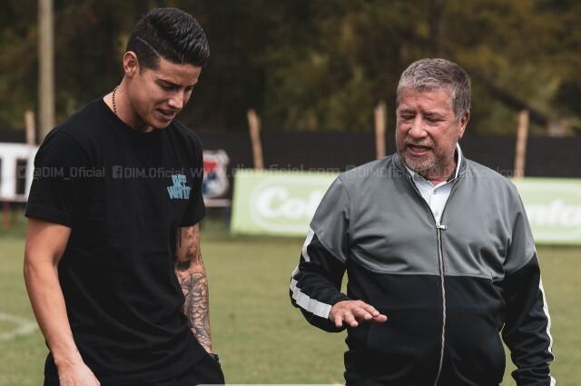 James Rodríguez visitó la sede del Deportivo Independiente Medellín