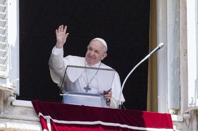 primeras palabras de papa francisco tras cirugia.jpg