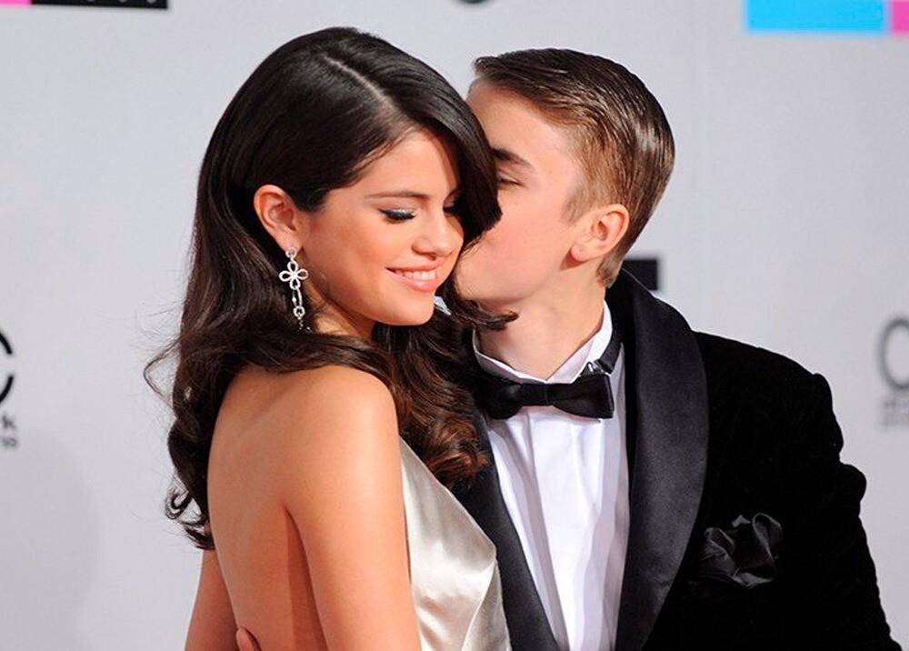 295044_Blu Radio/ Es oficial: ¡Justin Bieber y Selena Gómez volvieron!