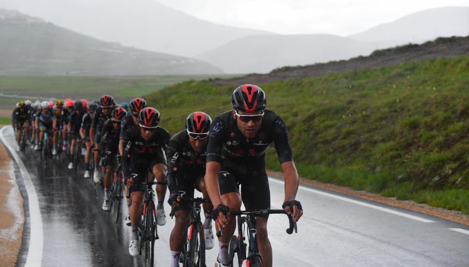 Filippo Ganna es un gregario de lujo de Egan Bernal en el Giro de Italia.