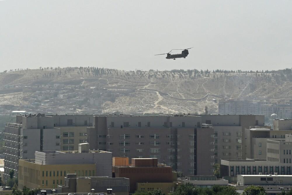 Estados Unidos evacúa personal diplomático tras victoria afgana