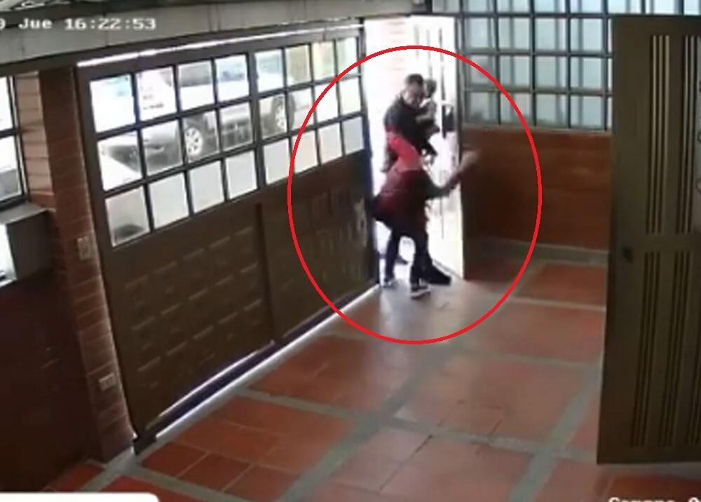 video de agresion contra modelo jessica ariza.jpg