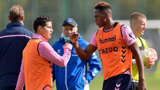 James Rodríguez y Yerry Mina. Foto: Twitter @Everton