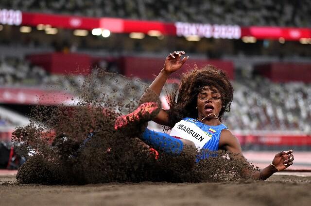Caterine Ibargüen, en triple salto de los Juegos Olímpicos de Tokio 2020