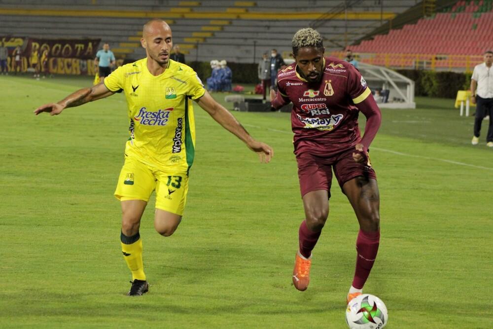 Deportes Tolima vs. Bucaramanga Foto Dimayor