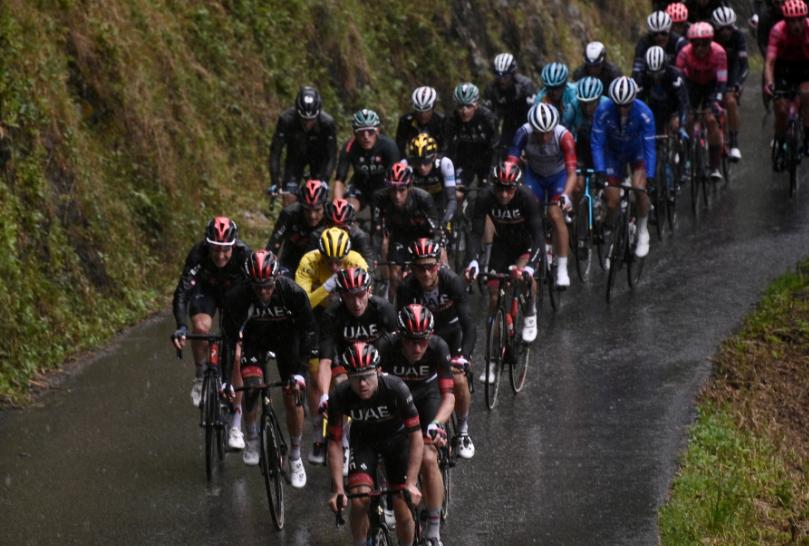 Tadej Pogacar es el líder del Tour de Francia tras la etapa 9.