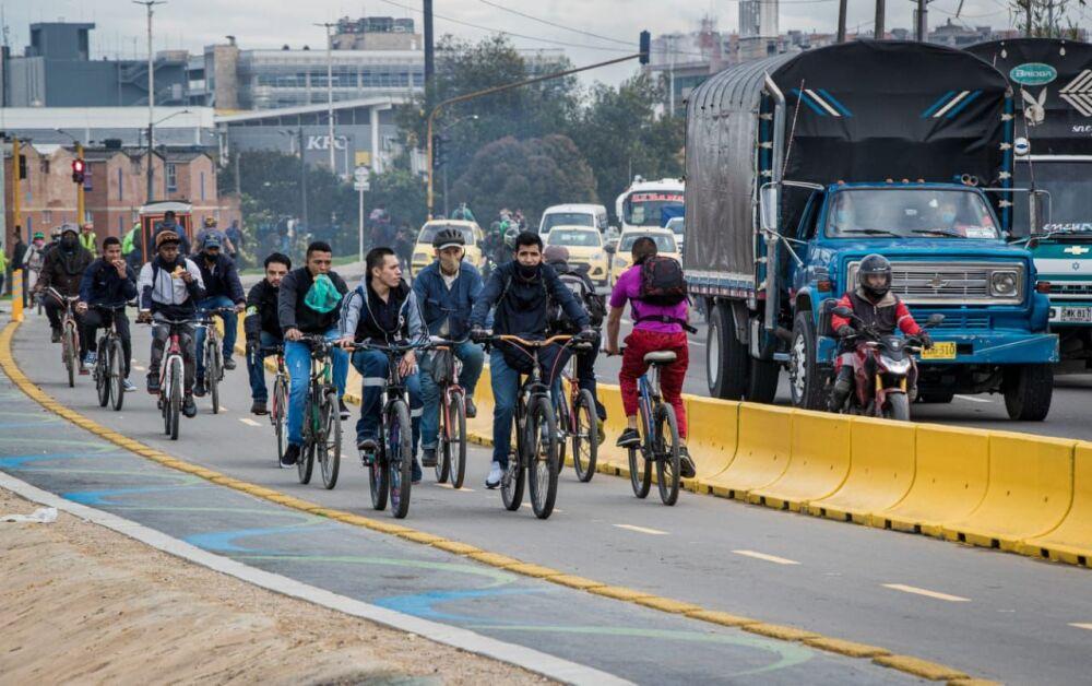 Ciclorruta Calle 13 Bogotá.jpeg