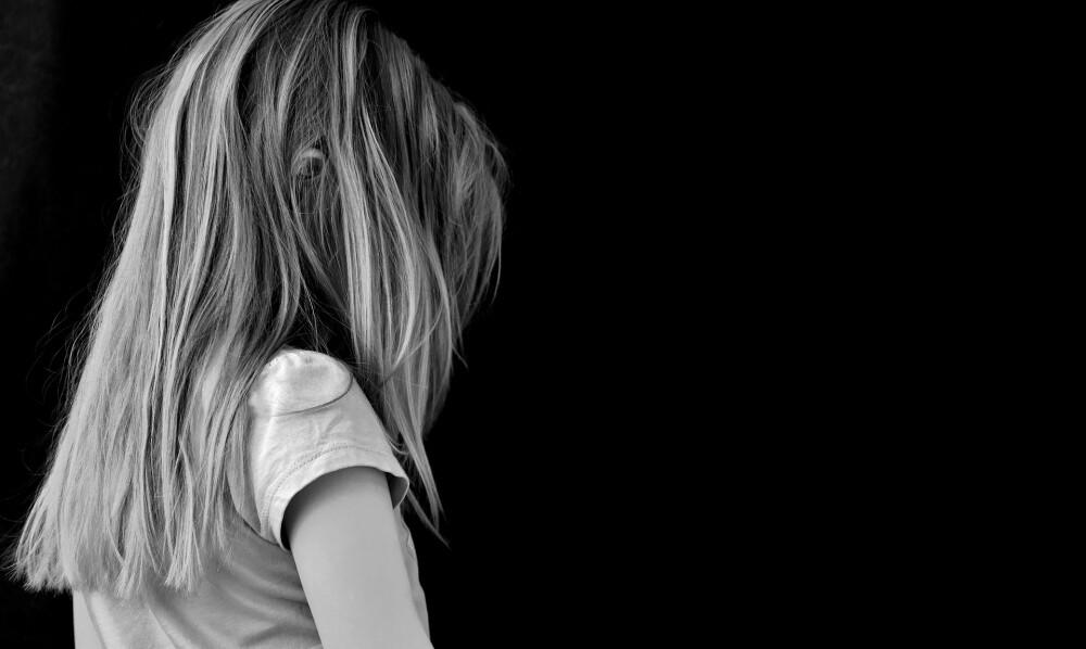 Condenan a madre joven y a su novio tras asesinar a su hija de 3 años porque los descubrió teniendo relaciones