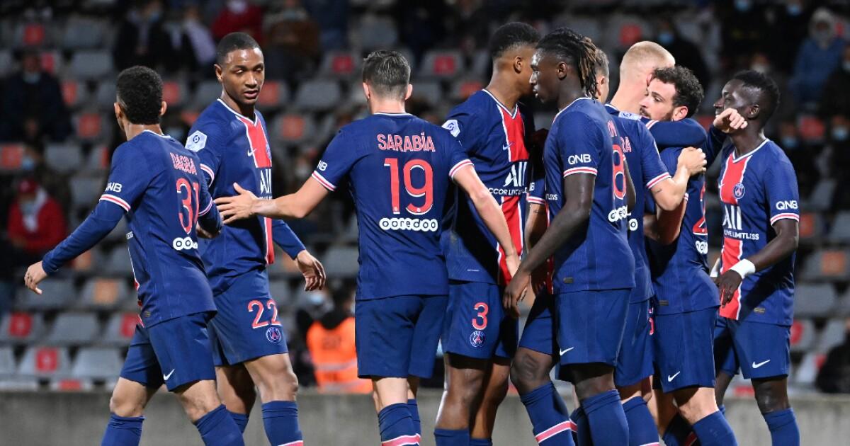 PSG goleó 4-0 a Nimes y se apoderó del primer puesto de la Liga de Francia