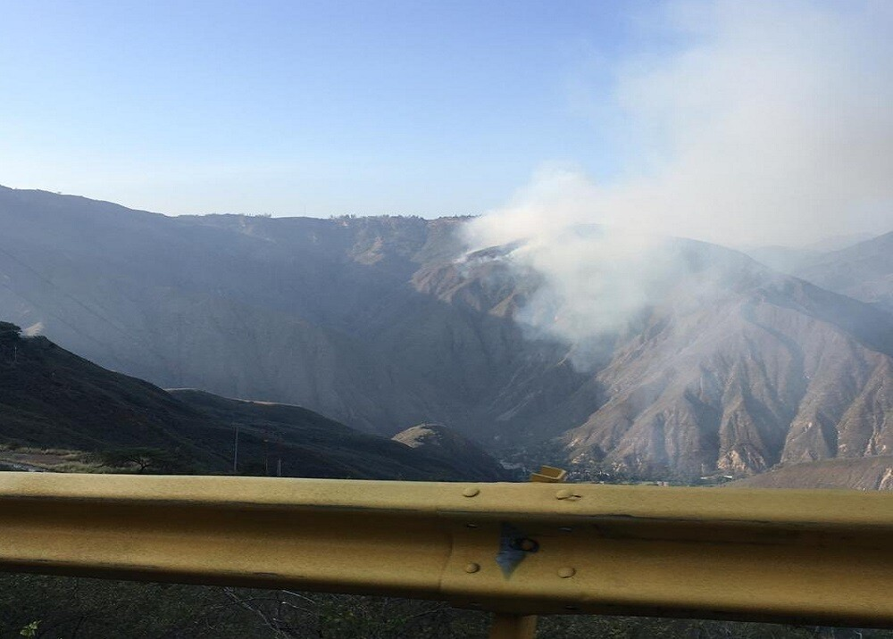 354580_BLU Radio. Incendio en el Cañón del Chicamocha / Foto: Gestión del Riesgo