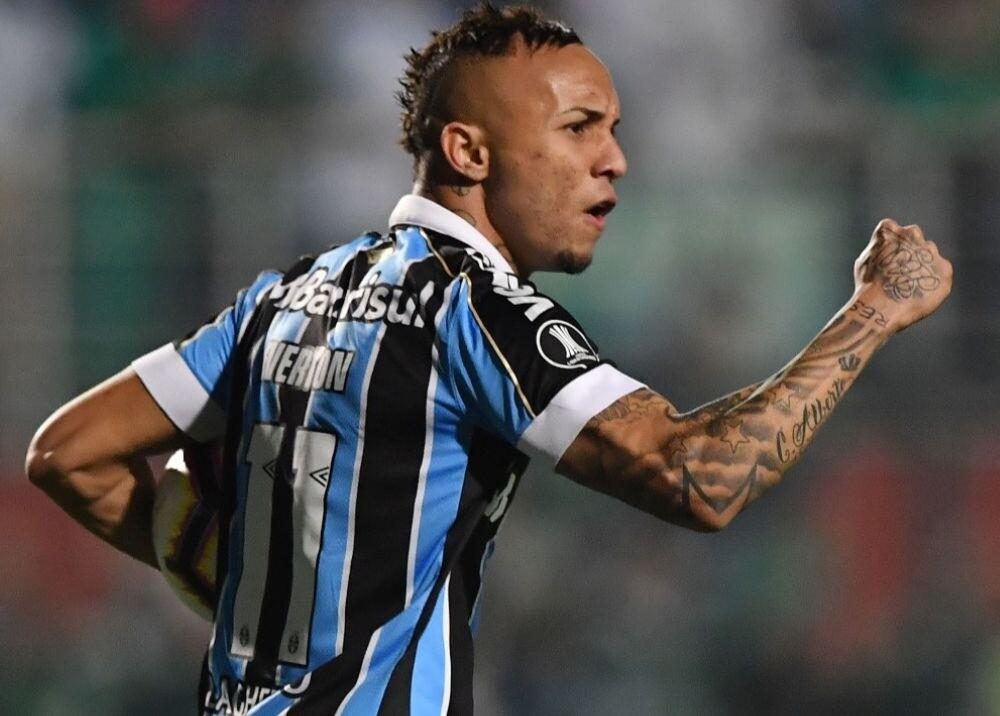 374149_Everton Soarez / AFP
