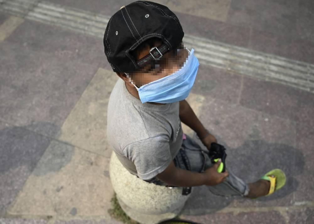 Niño con tapabocas