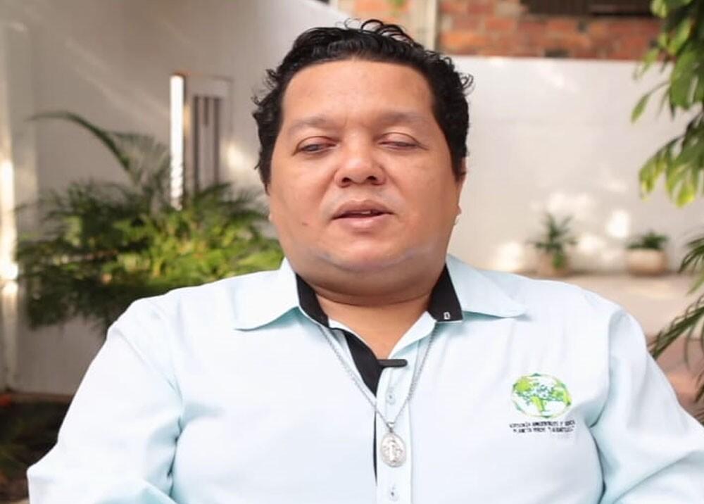 Ernesto Camilo Brugés abogado que gano tutela para que lo vacunaran.jpg